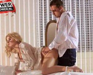 Pijpen en neuken in sexy lingerie